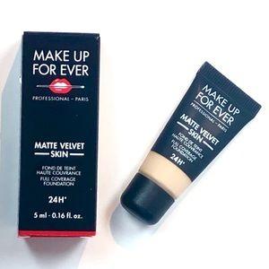 Make Up For Ever Matte Velvet Skin 24H Foundation